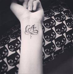 31 Meilleures Images Du Tableau Tatouage Lettre Tatoos Tattoo