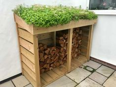 Tidy up your garden and add a splash of colour with a Bluum Maxi Log Store. Main features: FREE DELIVERY 1660mm wide, 650mm deep, 1280mm high The Bluum Maxi Log Store is designed to suit the larger garden, with ample storage for around 0.84m3 of firewood whilst adding subtle beauty to your outside space Robust constr