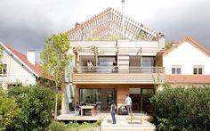 パリ郊外自然のパワーを活かす、快適なエコハウス in フランス