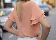 find more at Sleeve Designs, Blouse Designs, Fashion 2017, Fashion Outfits, Western Tops, Mom Dress, Beautiful Blouses, Work Looks, Business Outfits