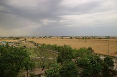 Над индийско-пакистанской границей тучи ходя хмуро🌥🌦☁️  #tripdreamlive #traveling #трипдримлив #travelling #путешествуймечтайживи #travel #traveler #travelphotography #traveller #travels #traveltheworld #travelblog #Индия #India #Амритсар #Amritsar #Пенджаб #Punjab #Пакистан #Pakistan