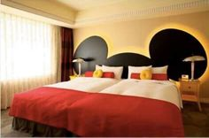 Mickey Mouse bedroom for adults. Want!