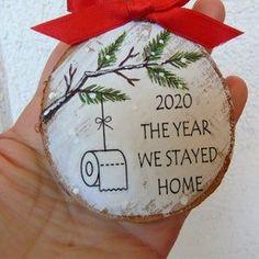 Handmade Christmas Decorations, Christmas Ornament Crafts, Handmade Christmas Gifts, Christmas Wood, Christmas Projects, Holiday Crafts, Christmas Ideas, Tree Decorations, Handpainted Christmas Ornaments