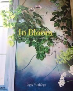Oh it arrived in time for the weekend!  Stunning @minh_ngoc @saipua @francespalmer @clairebasler and many more  #flowerbooks #inbloom
