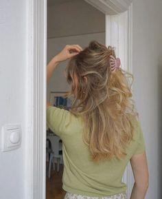 Half Up Hairstyle Idea Hair Inspo, Hair Inspiration, Dye My Hair, Aesthetic Hair, Grunge Hair, Fall Hair, Hair Day, Pretty Hairstyles, Hair Trends