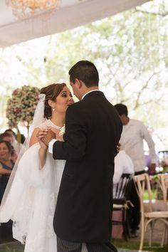 Couple Photos, Couples, Wedding Dresses, Fashion, Beach, Weddings, Couple Shots, Bride Dresses, Moda