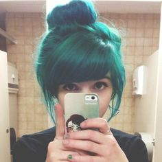 Cute blue/green color.