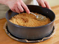 Wir haben Tipps und Ideen rund um Tortenboden ohne Backen gesammelt - die krümelig-knusprige Basis für leckere Backideen.
