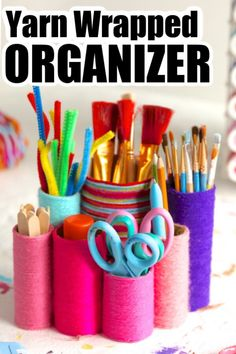 Kids can make this yarn-wrapped toilet roll pen organizer quickly and easily using a Pringles can, some toilet rolls and colourful yarn. Great DIY craft caddy or for holding pens, pencils and art supplies on a desk or dresser. #HappyHooligans #DIY #Pencil #Holder #Pen #Organizer #Art #Caddy #ArtSupplies #Kids #Crafts #Easy #Craft #Tweens #Teens #Yarn #ToiletRoll Pencil Organizer, Pencil Holder, Diy Crafts For Girls, Kids Crafts, Summer Crafts, Arts And Crafts Supplies, Art Supplies, Easy Yarn Crafts, Simple Crafts
