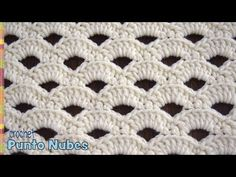 La belleza de lo simple: punto nubes tejido a crochet ☁️ Un punto muy fácil de tejer ya que se repiten solo 4 hileras  ••• Suscríbete a nuestro canal aquí...