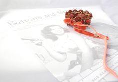 Victorian Button Bracelet or Choker by P8ButtonArt on Etsy, €14.00