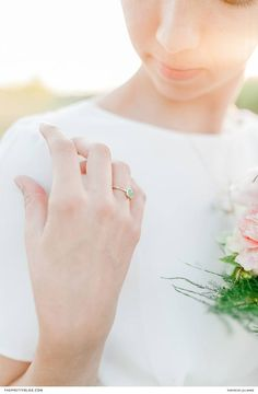 Simplistic Teel Engagement Ring | Photography by Jill Marie | Jewellery by Henriette Botha