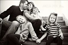 27 Ideas for Family Photos | Posh Poses