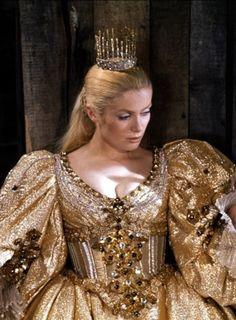 La Princesse et sa robe couleur de soleil, Peau d'Âne