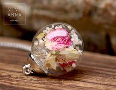 Glaskugel-Kette in Silber mit echte Blumen k282 von VIVIANNA auf DaWanda.com