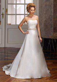 Elegantes A-Linien Brautkleid im Old-Hollywood-Stil aus Satin in Elfenbein und Silber - von Diane Legrand