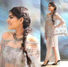 Festive Look Ethnic Fashion, Indian Fashion, Boho Fashion, Latest Outfits, Urban Outfits, Kritika Khurana, Saree With Belt, Saree Gown, Boho Girl