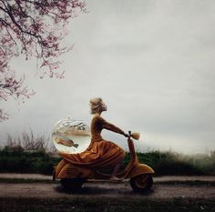 アリスの国にバイクSurreal Portraits of Elegant Women Inspired by Ballet - My Modern Metropolis