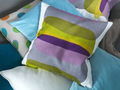2014 Pantone Color of the Year - Radiant Orchid - This versatile shade plays well with other colors, as shown in the overlapping shapes on the MALIN FIGUR cushion cover. Linen Pillows, Bed Pillows, Cushions, Home Design Decor, House Design, College Furniture, Ikea Us, Green Orchid, Design Your Life