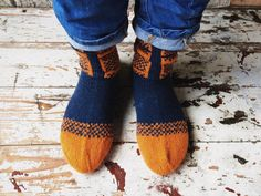 Hand knit natural home, outwear, shoes men wool socks by RGideas on Etsy https://www.etsy.com/listing/204936353/hand-knit-natural-home-outwear-shoes-men