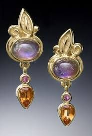 gold earrings set with rare purple rainbow moonstones, spessartite garnets and pink sapphires by Conni Mainne. Modern Jewelry, Jewelry Art, Gold Jewelry, Fine Jewelry, Jewelry Design, Jewellery, Jewelry Ideas, 18k Gold Earrings, Bride Earrings