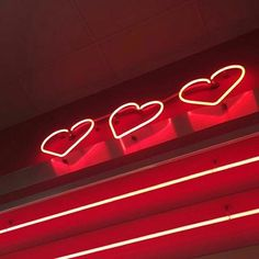 Red, neon, and aesthetic image. Aesthetic Colors, Aesthetic Pictures, Maroon Aesthetic, Orange Aesthetic, Aesthetic Dark, Kpop Aesthetic, Lizzie Hearts, Red Hearts, Heather Chandler