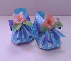 origami baby shoes . Gift for my friend. Design by Tomoko Fuse.