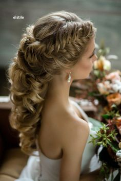 wedding | bride hairstyle | long | messy | boho | halfdo | romantic | braid