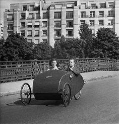 Vélocar à Paris, photo de Pierre Jahan
