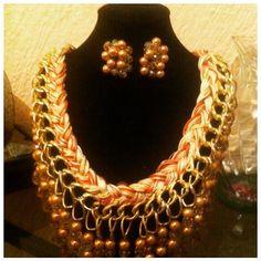 collar trenzado en hilo de ceda y cadena de aluminio , perlas doradas cristal y cristal checo $250.00
