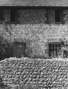 PEGGY ANGUS'S HOUSE, FURLONGS, NEAR FIRLE, EAST SUSSEX, 1961 | Edwin Smith