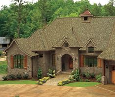 Talking Roofing with GAF on Remodelaholic.com #roofing #shingles #home_exteriors