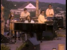 Carly Simon - You're So Vain (Filmed for her 1987 Live From Martha's Vineyard concert).