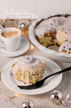 No-rise Hot Buttered Rum Cinnamon Rolls from Bakingdom