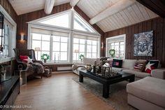 FINN – Ny hytte til jul? Lekker hytte i stav og laft med uthus.Flott…