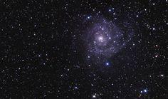 Descubren una galaxia compacta que despejará dudas sobre el origen del universo.Más en www.muyinteresante.es