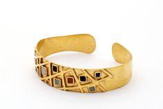 Gold-plated cuff with semi-precious stones
