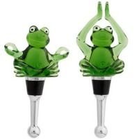Yoga Frogs Wine Bottle Stopper Set > on 10 Thanksgiving Gift Ideas for the Hostess #wine #thanksgiving #gifts #frogs