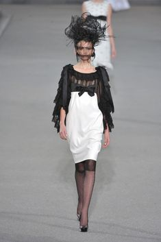 Chanel Spring 2009 Ready-to-Wear Collection - Vogue