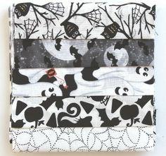 Halloween Weiß/Schwarz Paket - 5 Stk 15 x 55 -a651 von planet-patchwork auf DaWanda.com