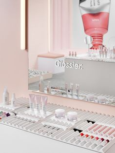 Cult beauty brand Glossier glams up Austin with limited-edition pop-up shop Display Design, Store Design, Glossier Pop Up, Glossier Launch, Cosmetic Display, Retail, October 23, Shopping, Glossier Branding