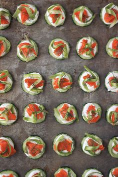 Smoked Salmon Cucumber Bites with Asparagus Ribbons and Dill Cashew Sour Cream @tastyyummies