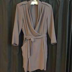 Wilfred Aritzia Dress Aritzia Wilfred dress size 6. Faux wrap style with button closure and remove able belt. Purple mauve color, made of polyester and machine washable. Aritzia Dresses Mini
