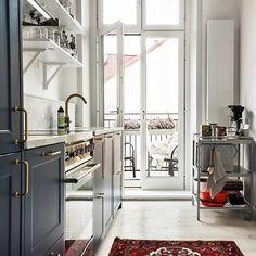 Yesterdays photo shoot #interiorphotography #stockholm #sweden #betong #marmor #mässing #brass #hemnet #homedecor #decor #interiordesign #interior #inredning #marble #hay #interiordesire #ikea #kitchen #scandidesign #heminteriör #inreda #interior4all #onlyinterior #nordichome #nordicinterior #kronfoto