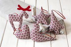 Ozdoby świąteczne w bordowe gwiazdki:) Ciekawy i pomysłowy pomysł na przystrojenie tegorocznej choinki.  http://bogatewnetrza.pl/pl/p/Ozdoby-swiateczne-w-bordowe-gwiazdki%2C-5szt./404