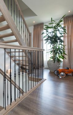 Open Trap, Upstairs Hallway, Home And Living, Master Bedroom, Decoration, Staircase Ideas, Staircases, Ideas Para, House