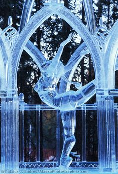 Freedom of dance Ice Sculpture