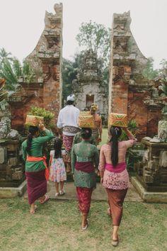 jonas-peterson-bali-hindu-wedding-cultural-traditions Bali Floating Leaf Eco-Retreat. http://balifloatingleaf.com/