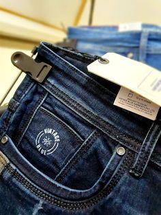 Ripped Jeans Men, Blue Denim Jeans, Jeans For Men, Denim Display, Estilo Denim, Types Of Jeans, Men Trousers, Casual Wear For Men, Jeans Brands