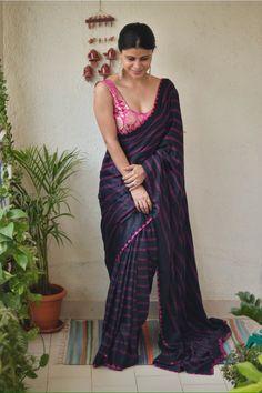 Saree - Handwoven and handmade bandhani gajji silk saree Length (with running blouse) Width : 45 Care -Dry wash Discription -colour as s Bandhani Saree, Silk Sarees, Indian Beauty Saree, Indian Sarees, Saree Dress, Lehriya Saree, Bollywood Saree, Sabyasachi, Bollywood Fashion